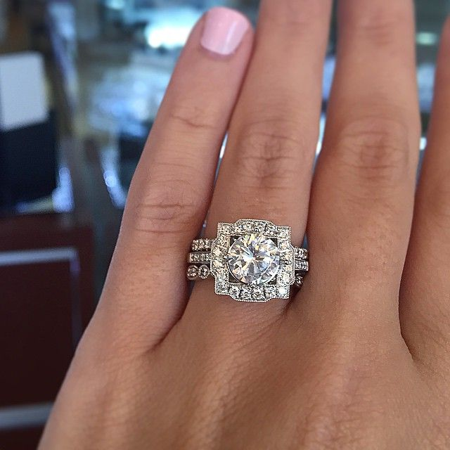 Engagement Ring Etiquette Do S And Don Ts White Gold Wedding Rings Diamond Wedding Bands Reasonable Engagement Rings