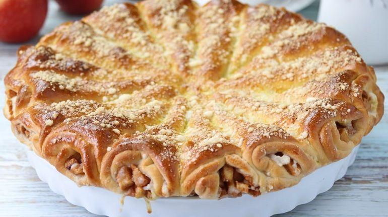 Слоеный яблочный пирог «Яблочные рожки»: оригинальный и ...