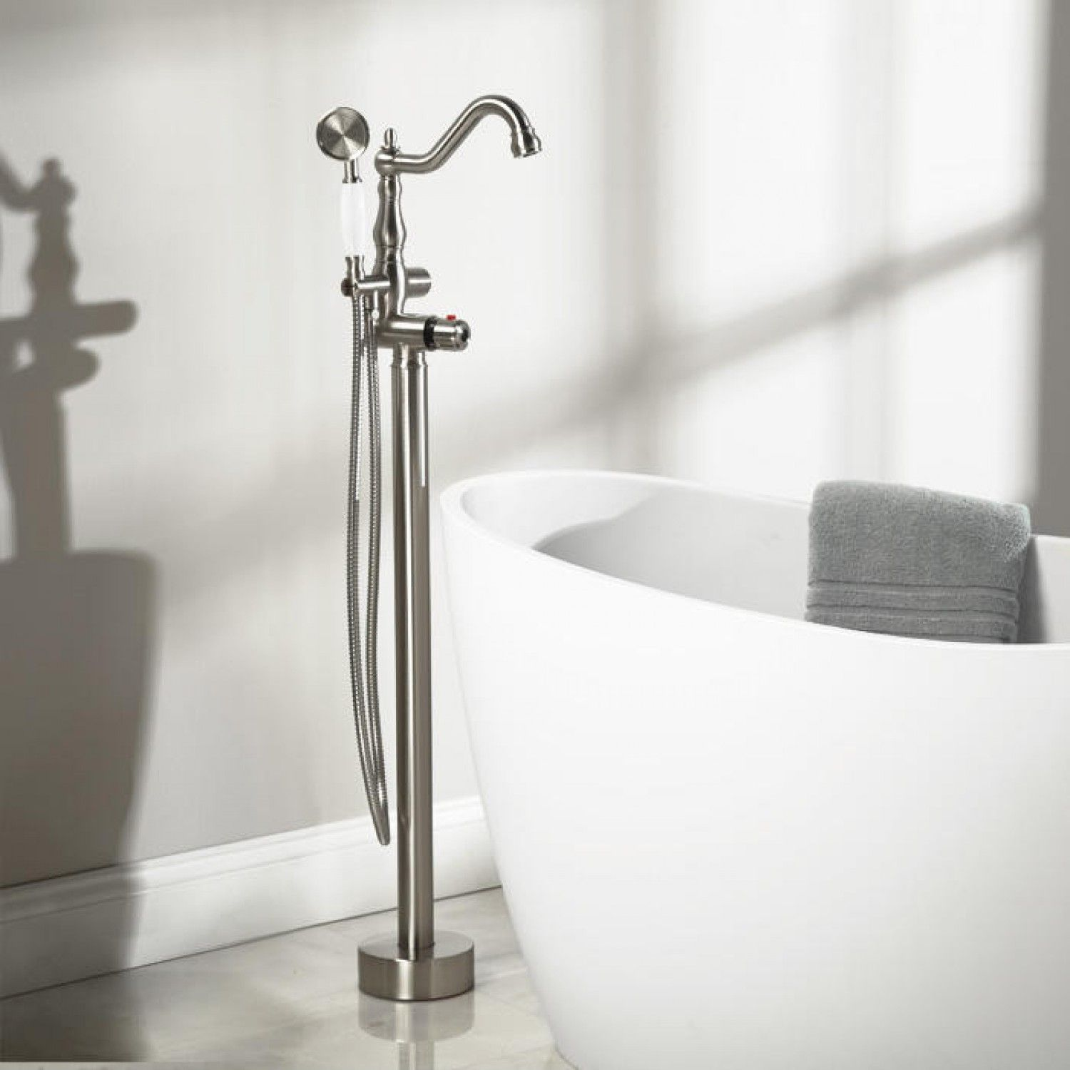 Delightful Keswick Freestanding Thermostatic Tub Faucet And Hand Shower