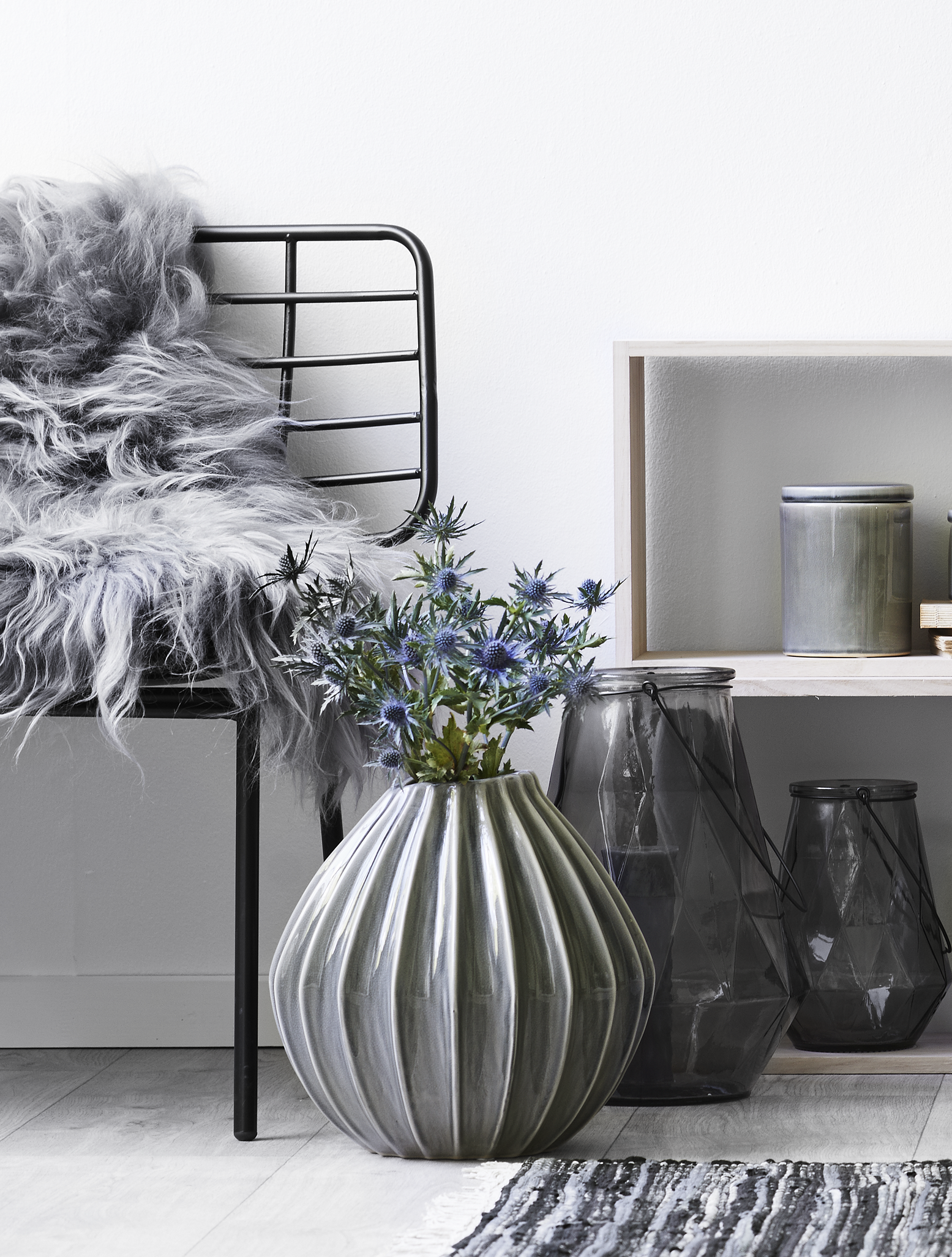 new season trend silent blue smuk og rustik wide vase. Black Bedroom Furniture Sets. Home Design Ideas