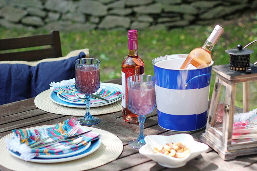 Yes Way Rose: American rosé wine recommendations for an outdoor backyard dinner party with Pier 1