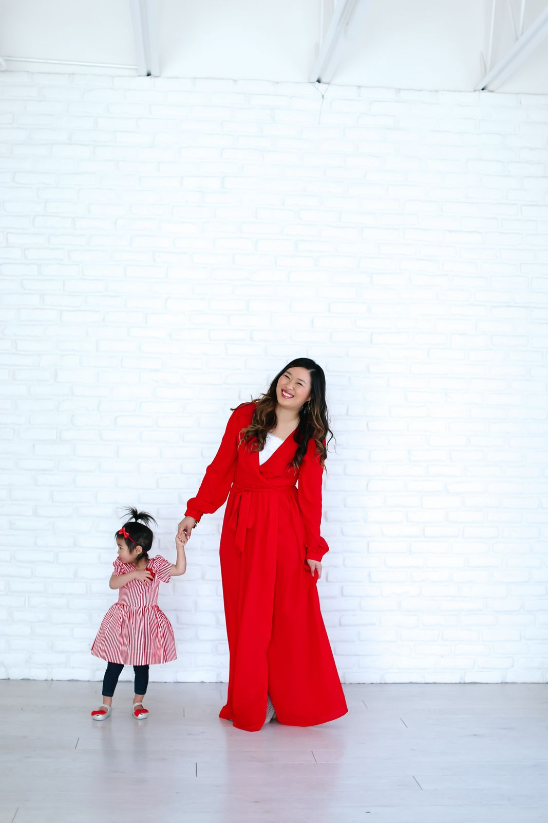 Mommy and Me Valentine's Outfit | mommy + me outfit ideas | mommy and me fashion | fashion tips for moms and daughters | how to style a mommy and me outfit | mommy and me style ideas || Sandy a la Mode