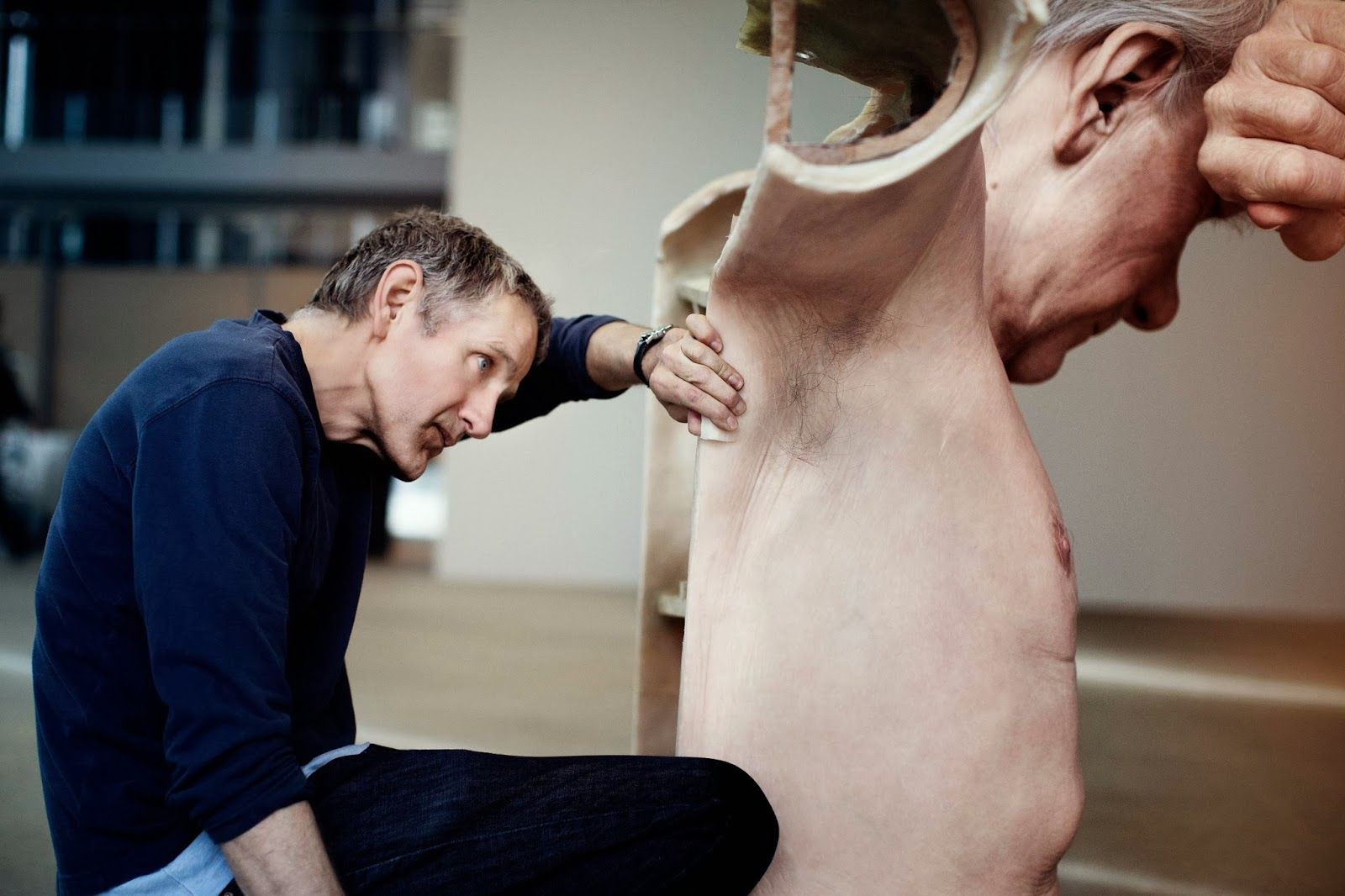 • ARTrip •: ☀ Hyper Realistic Sculptures - by Ron Mueck