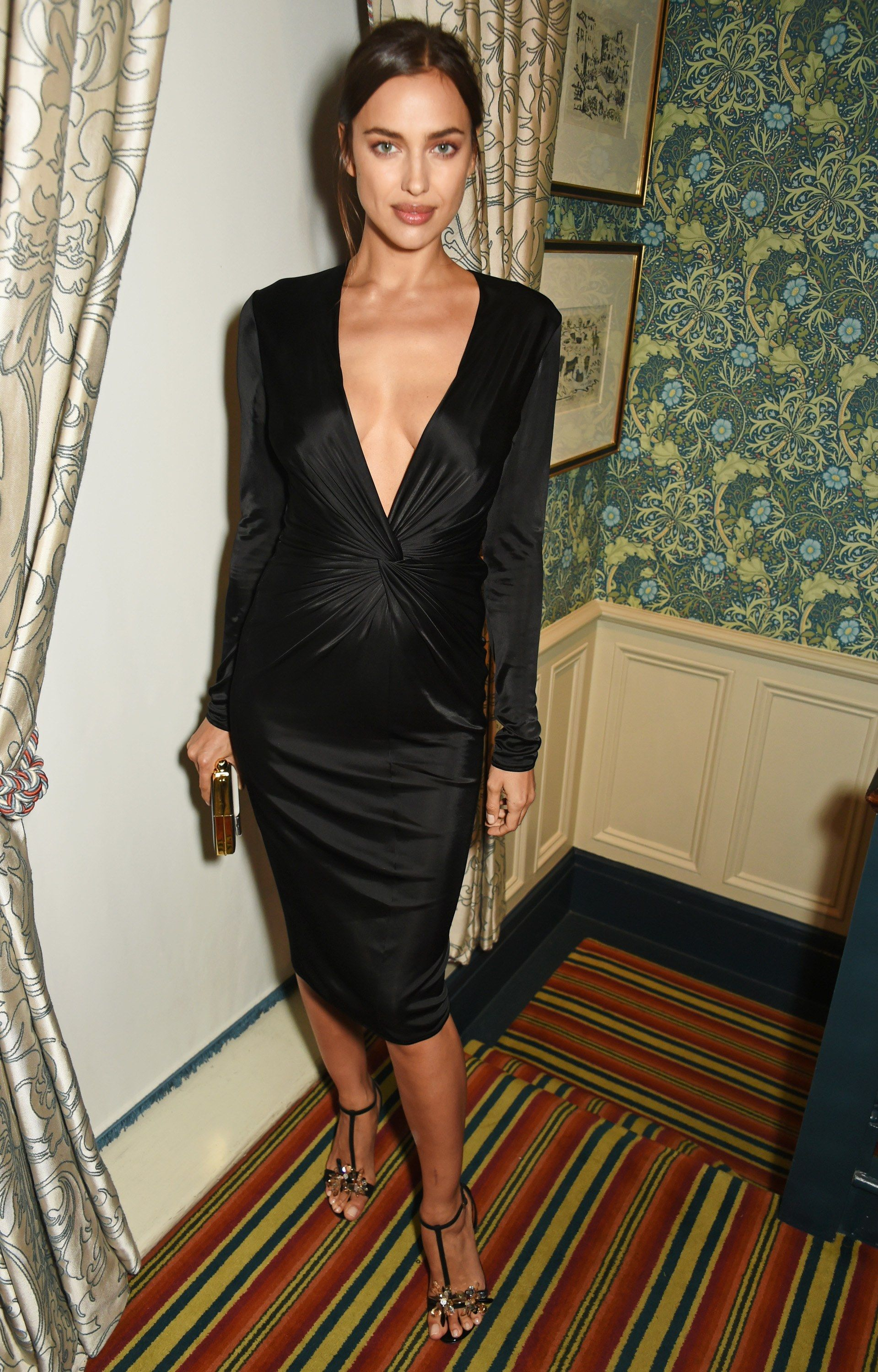 1b289a46d87 Newly Pregnant Supermodel Irina Shayk Is Always Chic on the Red Carpet  Photos