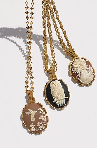 Love these cameo pendant necklace!!
