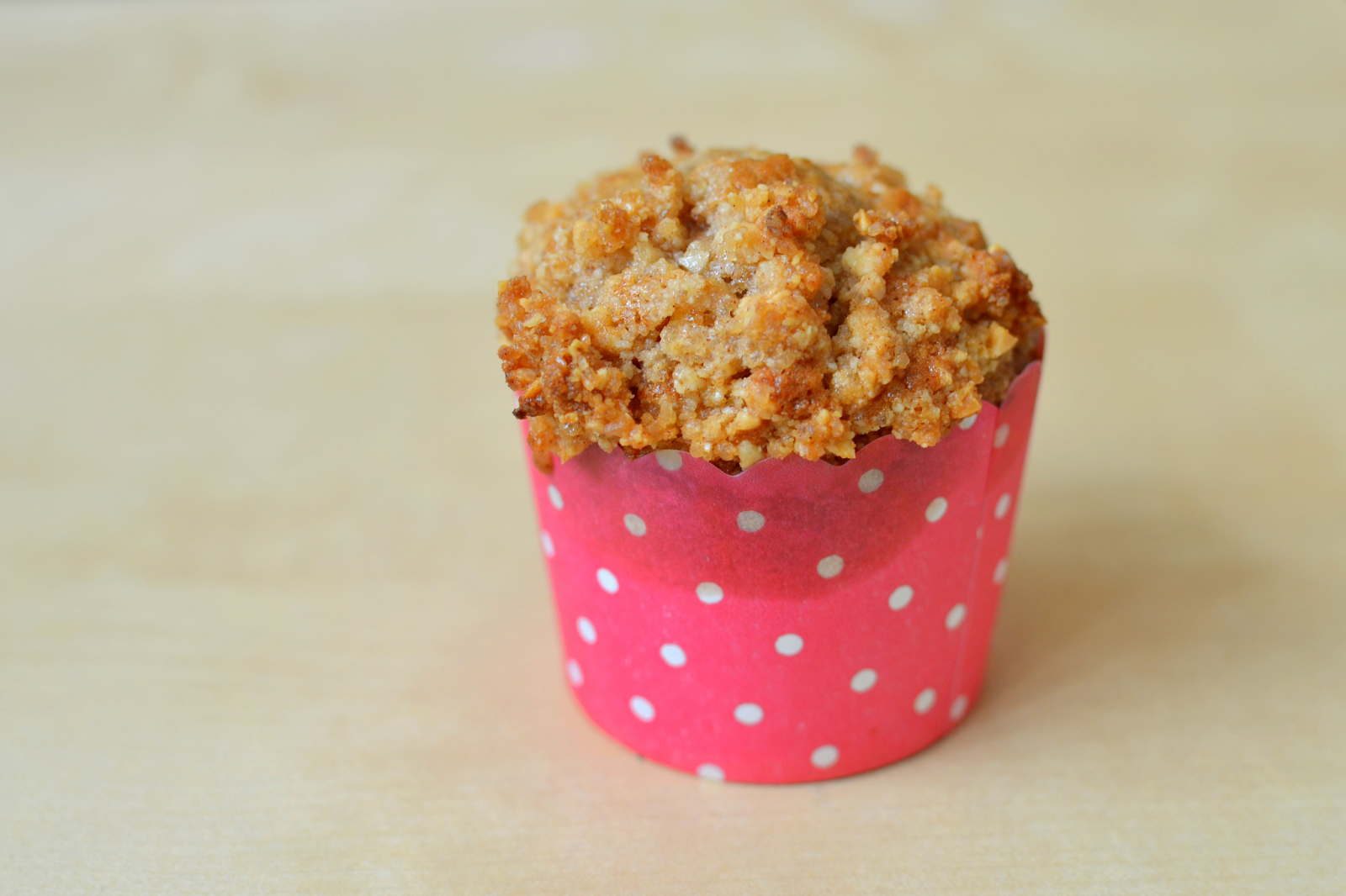 Pear and Cinnamon Muffins with Almond Crumble