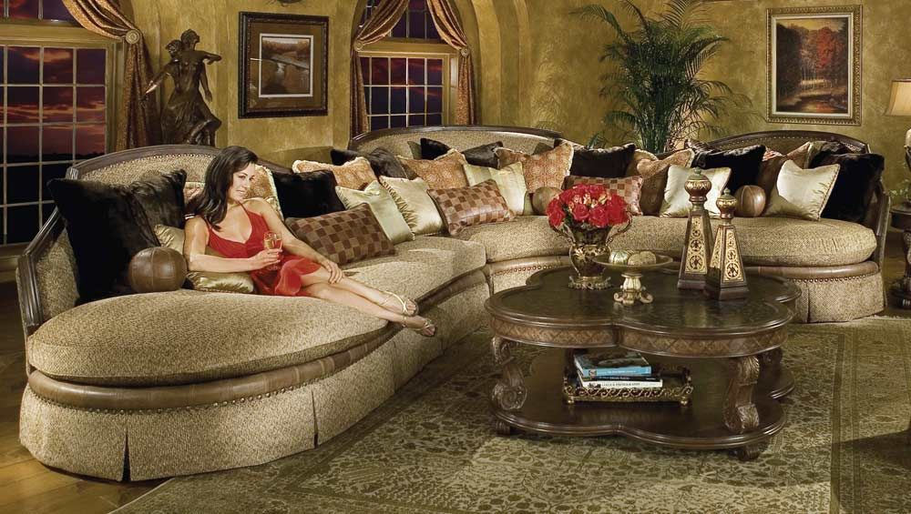 Leather sectional traditional traditional sofas for Elegant traditional living room furniture