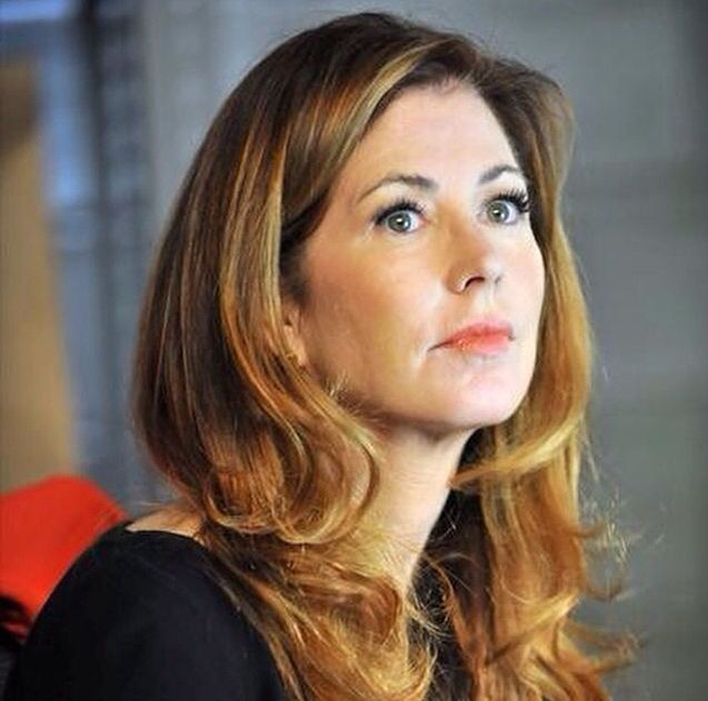 Pin By Fandoms 3 On Long Hair Styles With Bangs In 2020 Dana Delany Hairstyle Dana