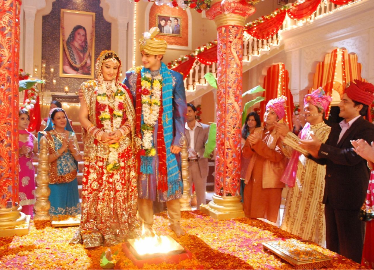 The 7 vows (pheras) in Hindu marriage symbolizing 7 promises sworn ...