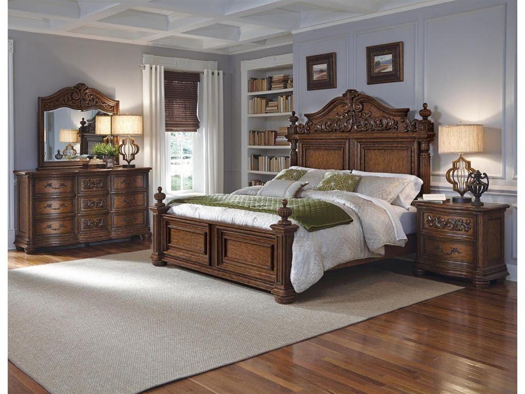Pulaski Furniture Bedroom Cheswick 5/0 Queen Headboard 729150   Hampton  House Furniture   Washington, MI