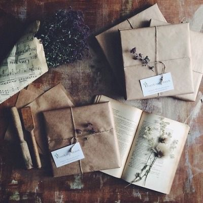 dried flowers | Tumblr | Old letters, Vintage lettering, Lettering