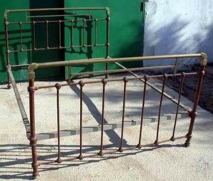 Cama antigua de hierro direcci n art tica al sur de - Camas de hierro antiguas ...