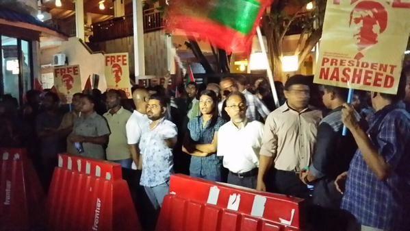 Nasheed minivan kuran Male vashai dhuvanee  http://avas.mv/3578