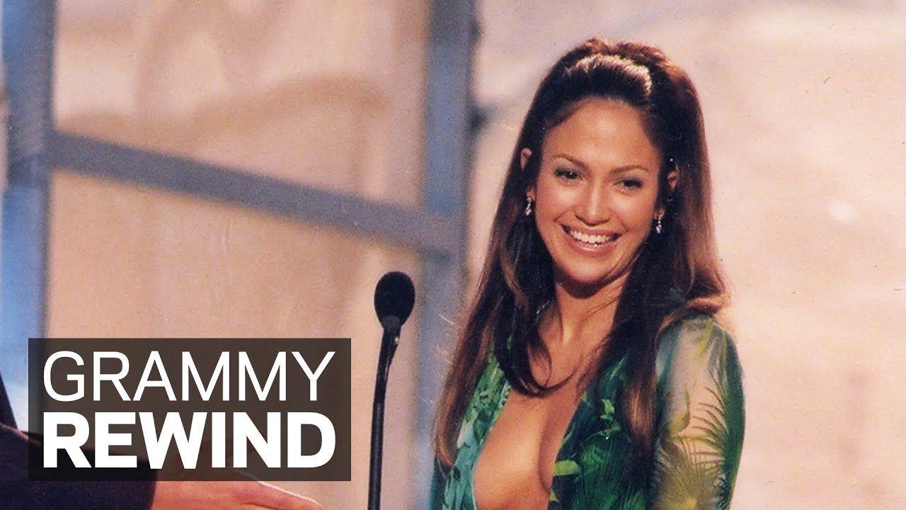 Jennifer Lopez The Green Versace Dress Presents Best R B Album At 2000 Grammys Grammy Rewind Youtube Jennifer Lopez R B Albums Best R B [ 720 x 1280 Pixel ]