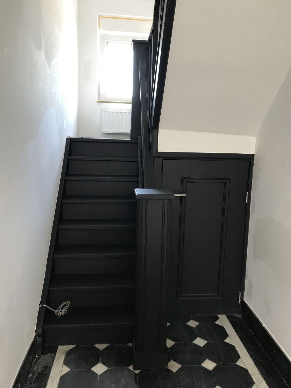 Peinture Escalier Noir Mat peinture de l'escalier en noir mat comme les portes | maison