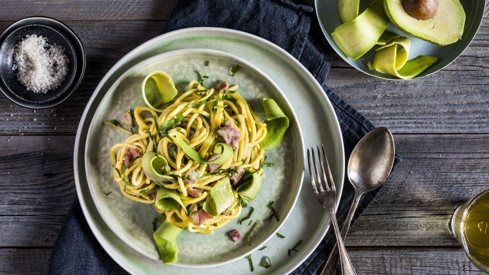 Wie Isst Man Am Besten Avocados 15 Tipps Carbonara Rezept Essen Einfache Gerichte