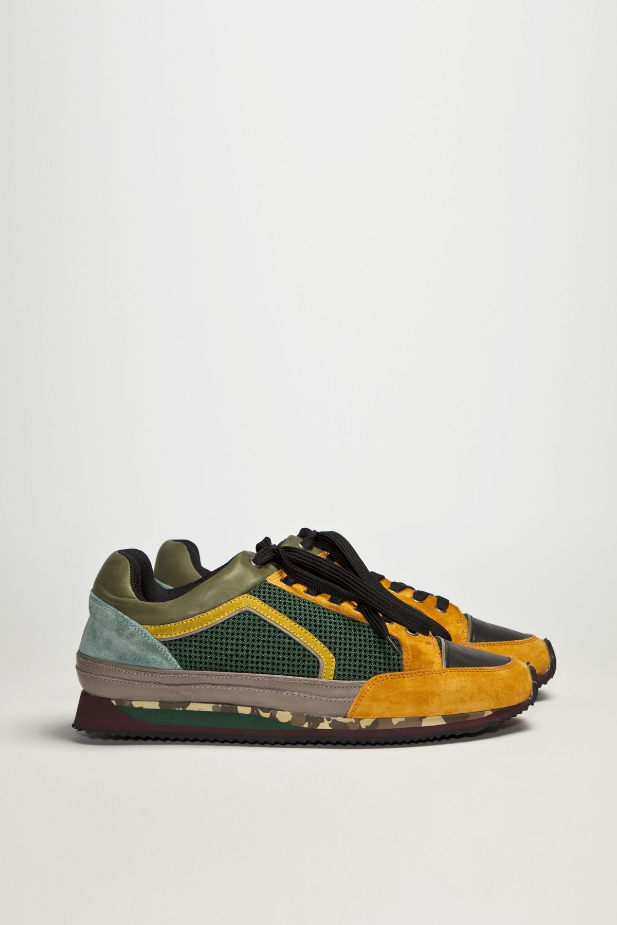 Smooth sneakers from Dries Van Noten. Material and color mix all over.  Upper in 38a6336bf