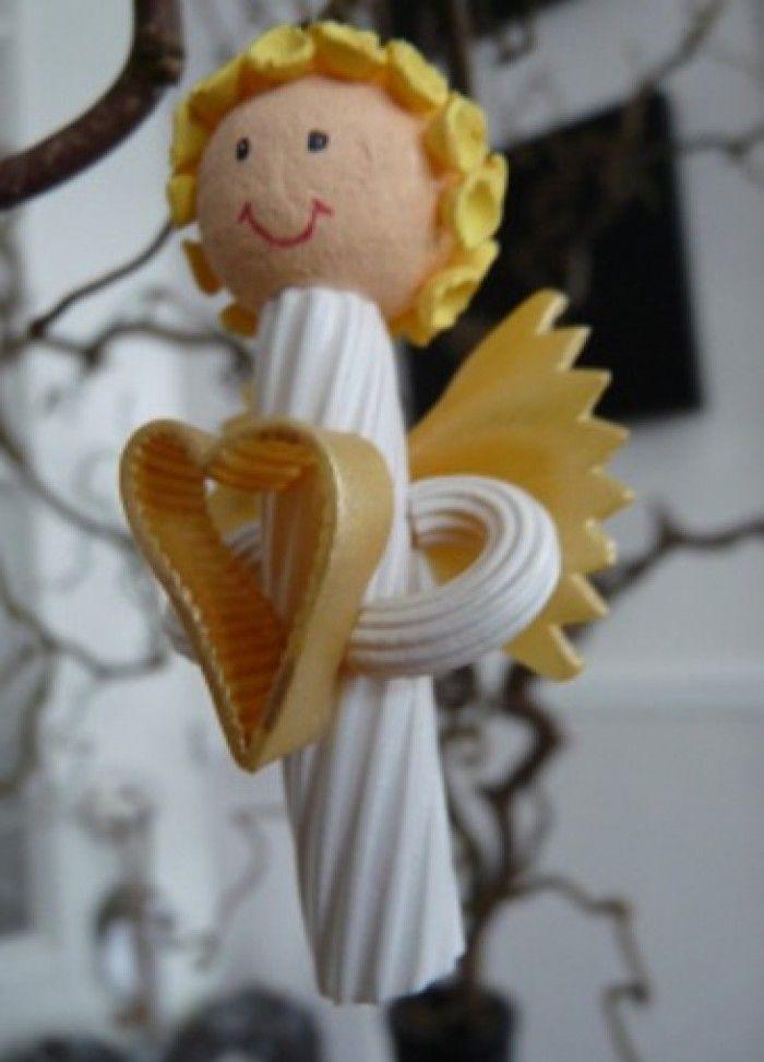 Engel van pasta - Rigatoni, Farfalle, Maccaroni, haar van soepnoedeltjes. Hoofd van houten of watten bolletje. Ook in zilver mooi!