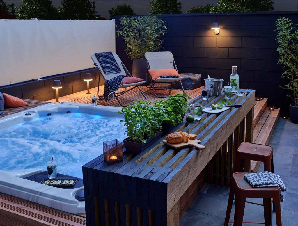 Comment Installer Une Cuisine Exterieure D Ete Hot Tub Landscaping Hot Tub Backyard Hot Tub Patio