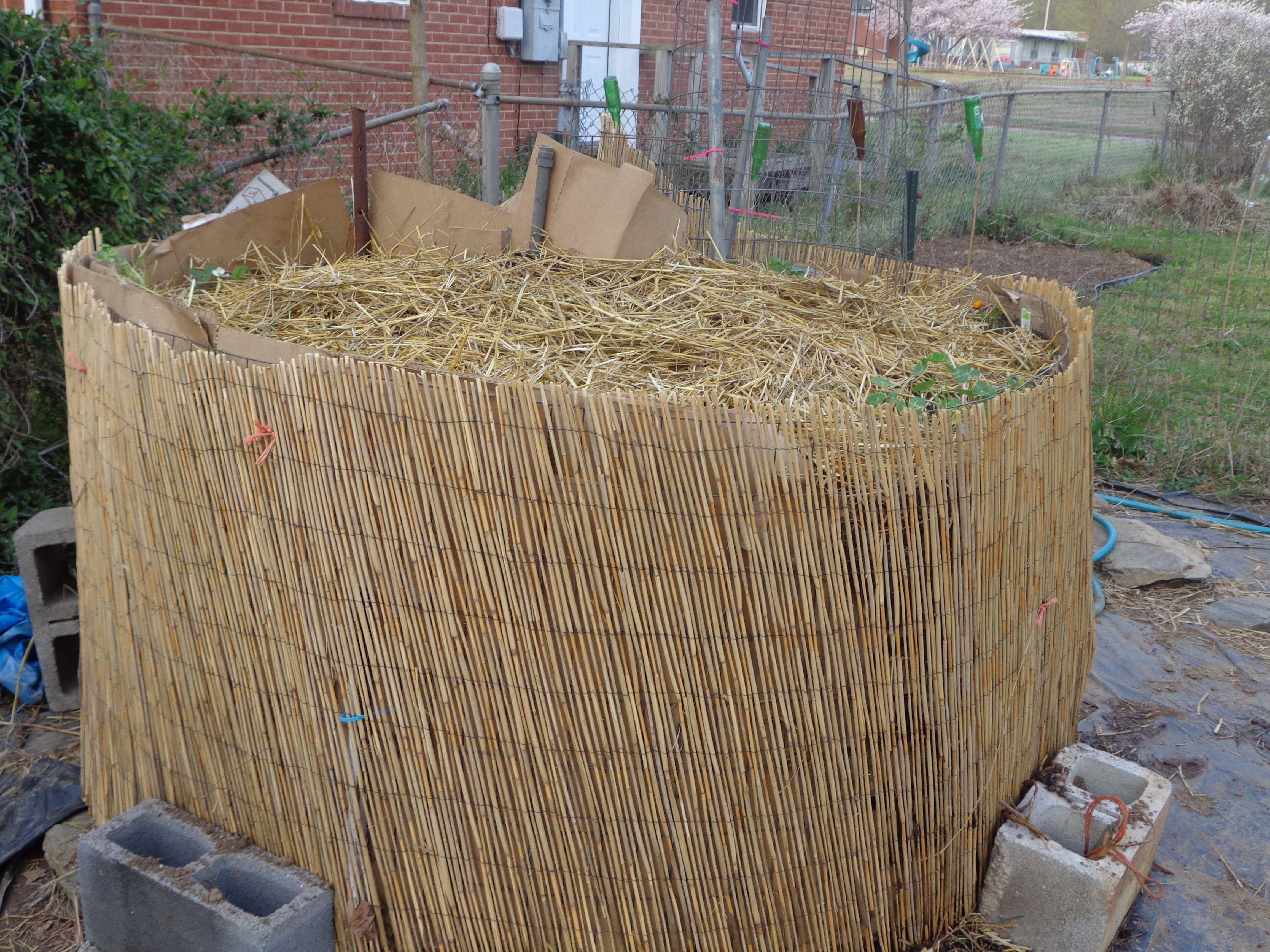 keyhole garden | Knitting & whingeing in Abalama- | Home, Garden ...