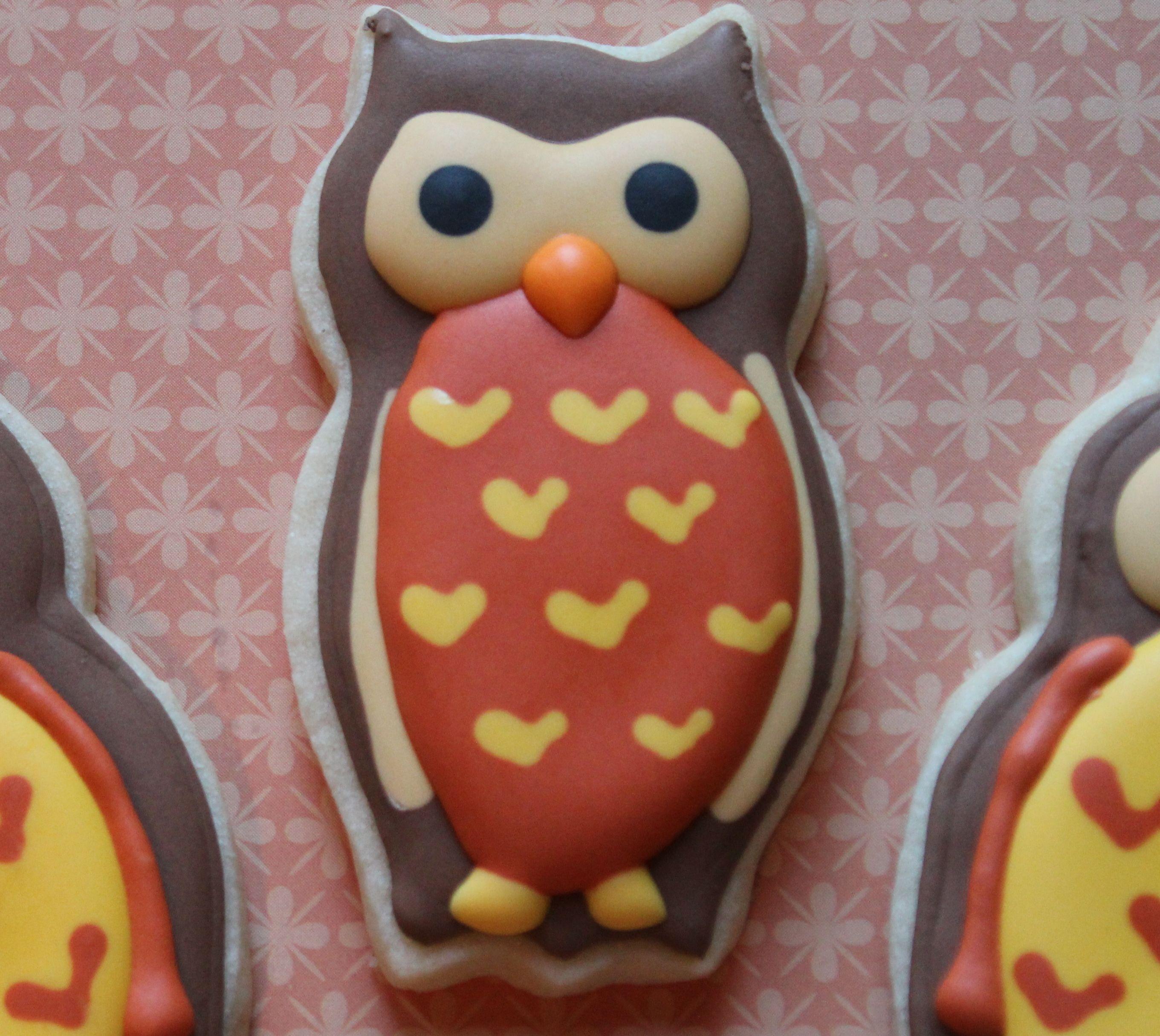 Pin By Amy Im On Wedding Owl Sugar Cookies Sugar Cookie Royal Icing Cookie Tutorials
