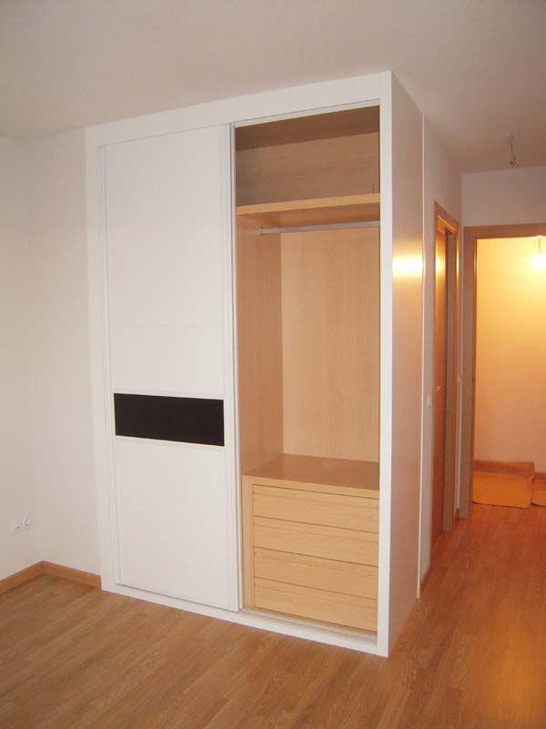 armario lacado blanco con cristal negro | armarios | Pinterest ...