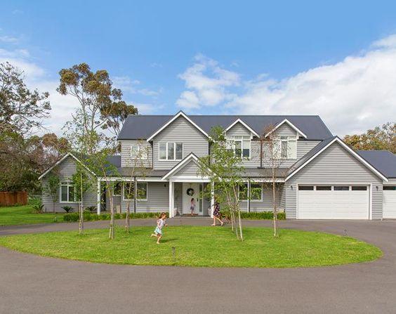 A Colourful Hamptons Home On The Mornington Peninsula