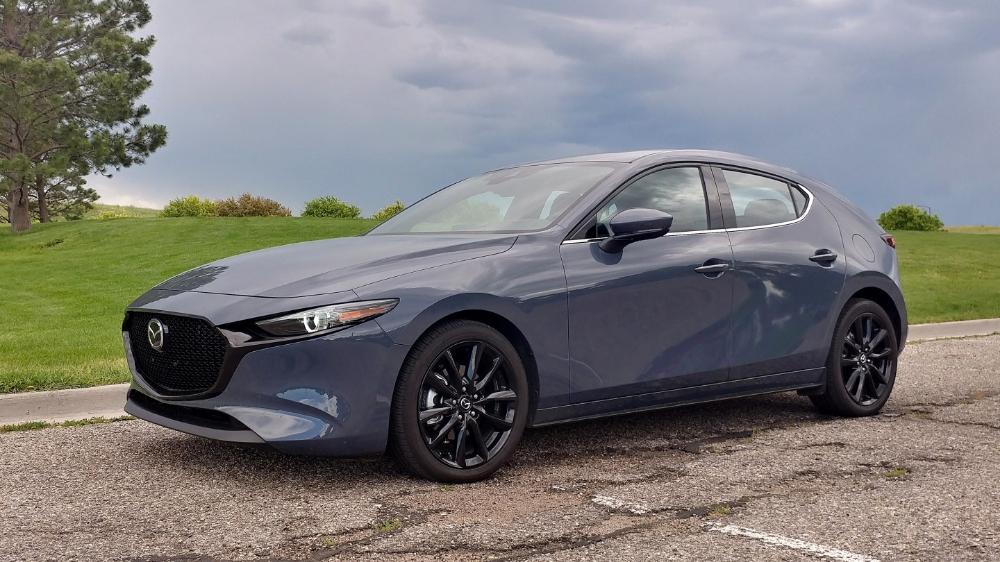 Review 2019 Mazda3 Is Still Sporty Adds Awd Goodness In 2020 Mazda 3 Mazda Cars Mazda Mazda3