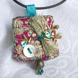 No Ordinary Day: My Fabric Jewelry.  Rendezvous at the Taj.