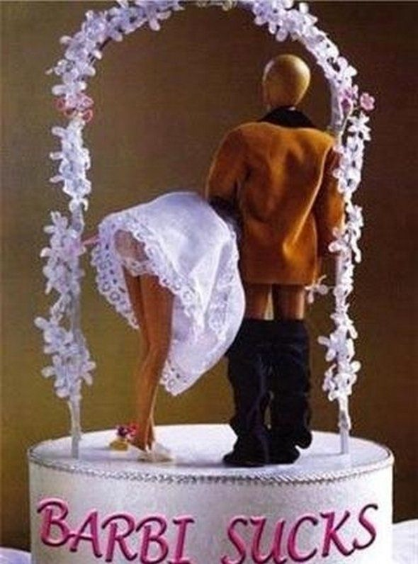 Unique Wedding Cake Toppers For Crazy Marriage Beginning Page - 16 hilariously creative wedding cake toppers