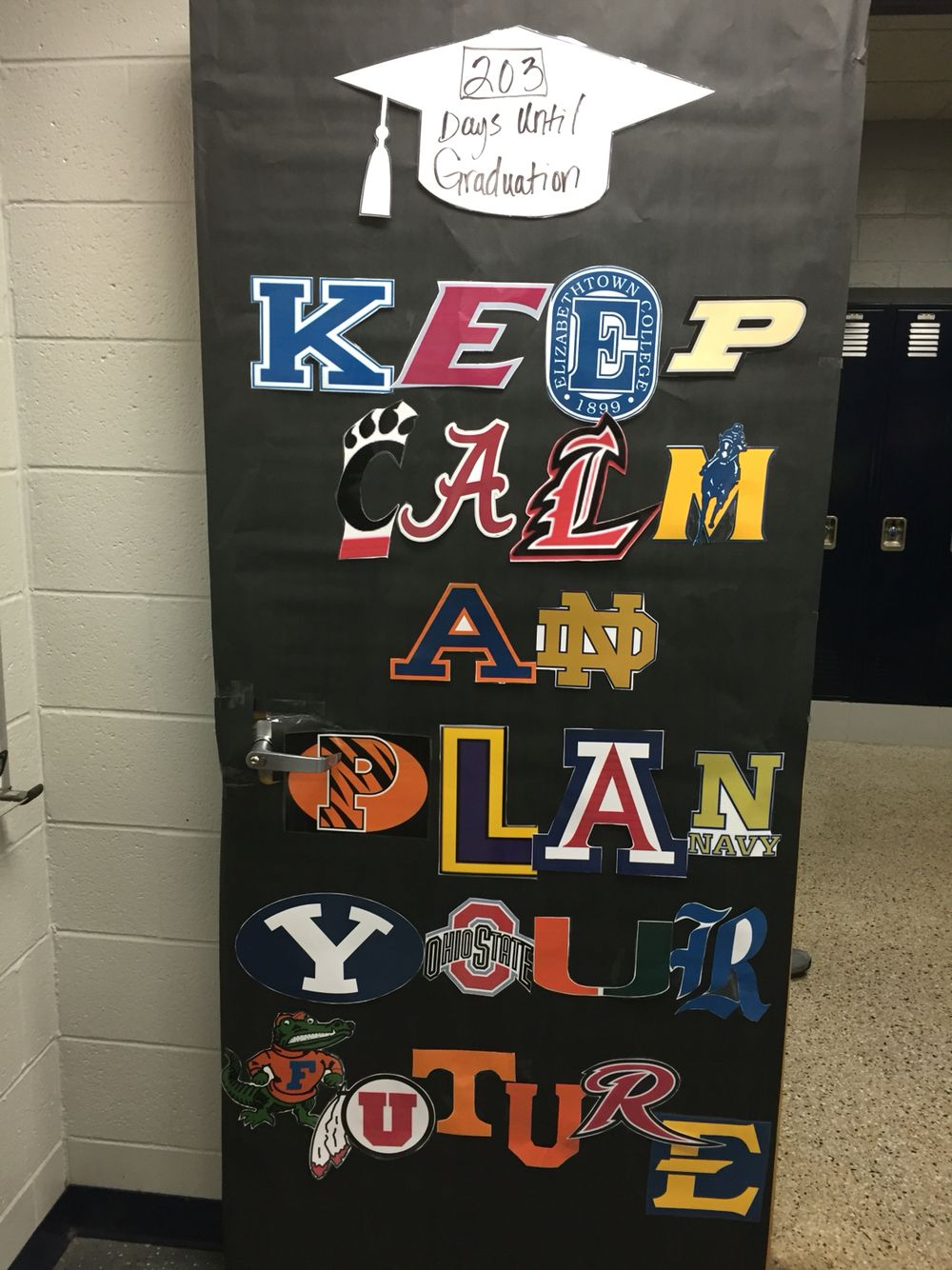 College Signs Decoration College Decorating Contest  Puertas De Salón  Pinterest