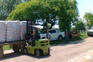 Así Somos: Agricultura entrega balanceado en Serrano y San Jo...