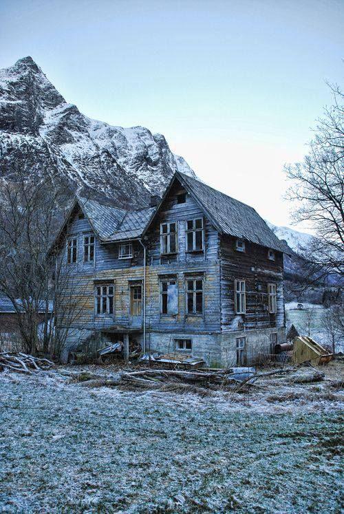 Abandoned az abandoned in arizona travel pinterest abandoned - The beauty of an abandoned house the art behind the crisis ...