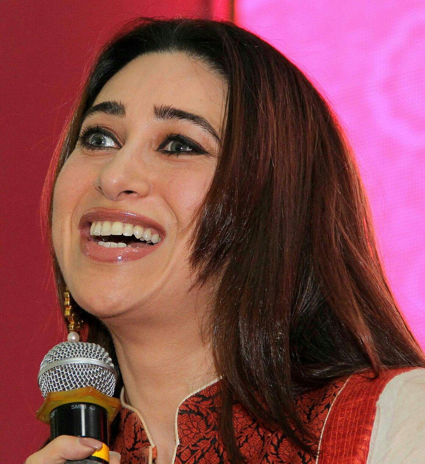 Karishma Kapoor Celebrities Actresses Model