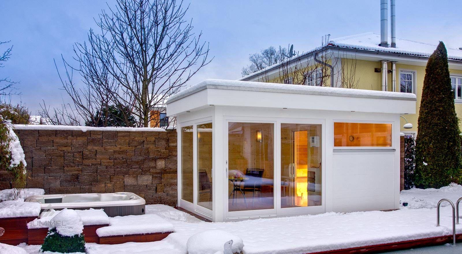 modernes saunahaus mit flachdach und vorraum gartensauna. Black Bedroom Furniture Sets. Home Design Ideas