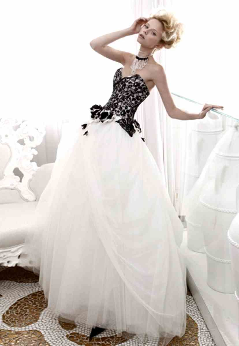 Canada Black And White Wedding Dresses Wedding Pictures Black White Wedding Dress White Wedding Gowns Trendy Wedding Dresses