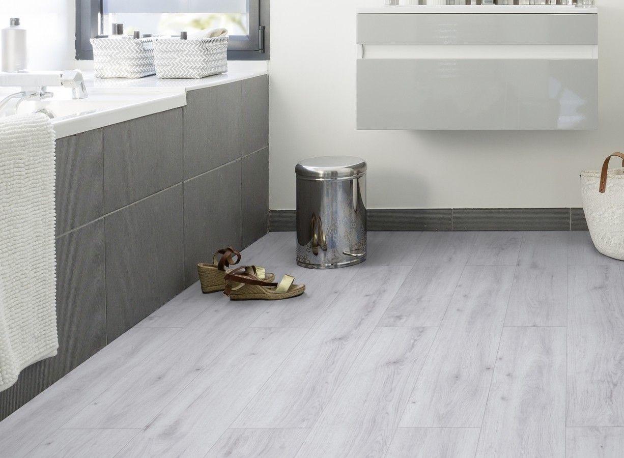 Gerflor Senso Clic Premium 0286 Sunny White Blanc Polaire Lame Pvc Clipsable Deco Salle De Bain Idee Deco Salle De Bain Lame Pvc Clipsable