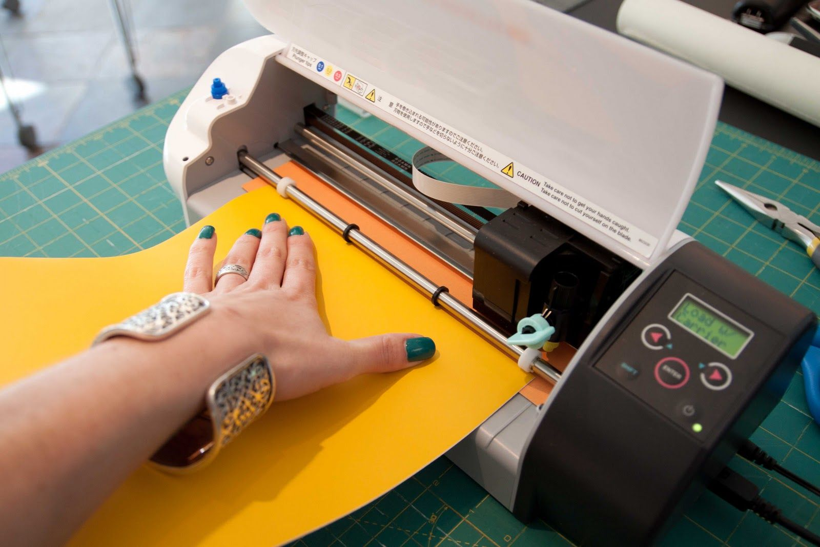 Best Vinyl Cutter Fabric Is Bliss Loading Vinyl Into The Silhouette Cutter