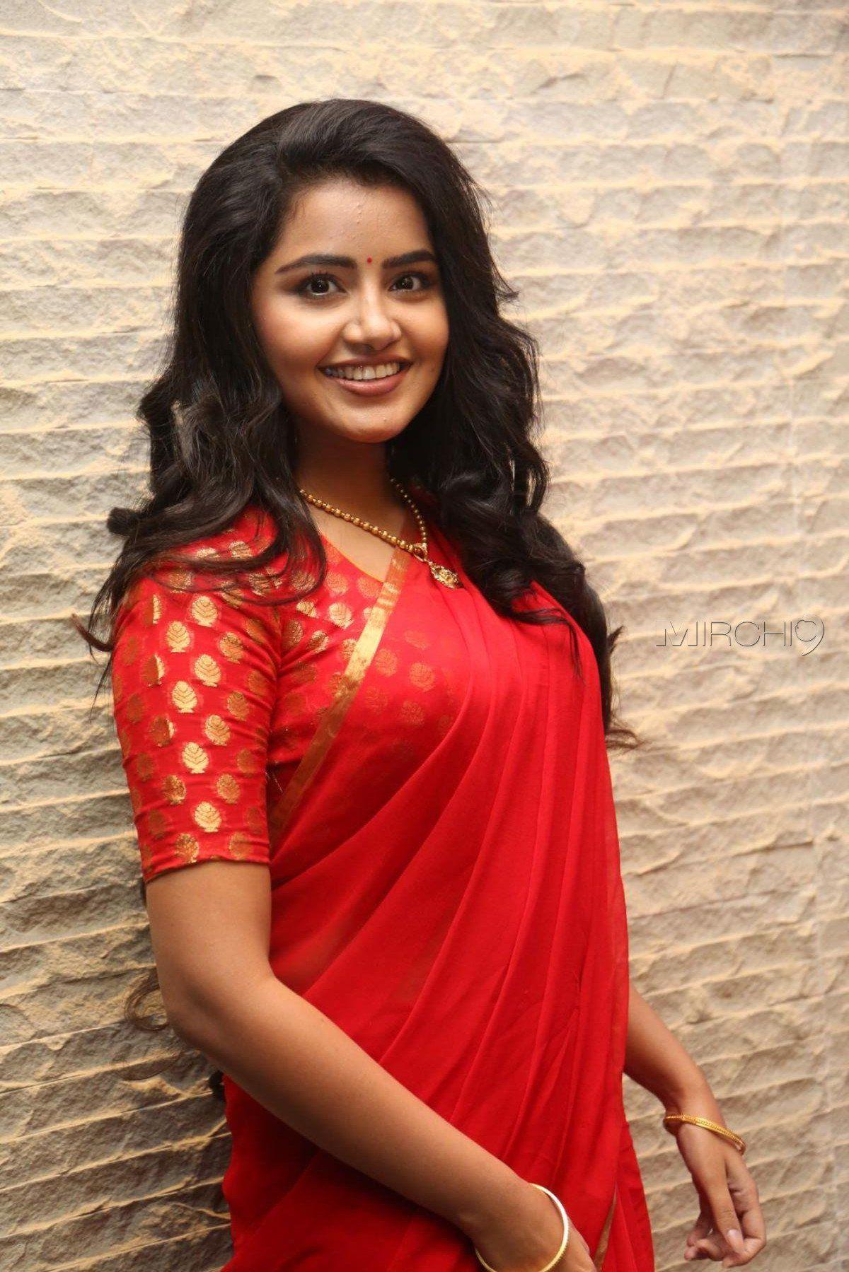 Anupama Parameswaran Hot Saree Photos At Shatamanam Bhavati Success