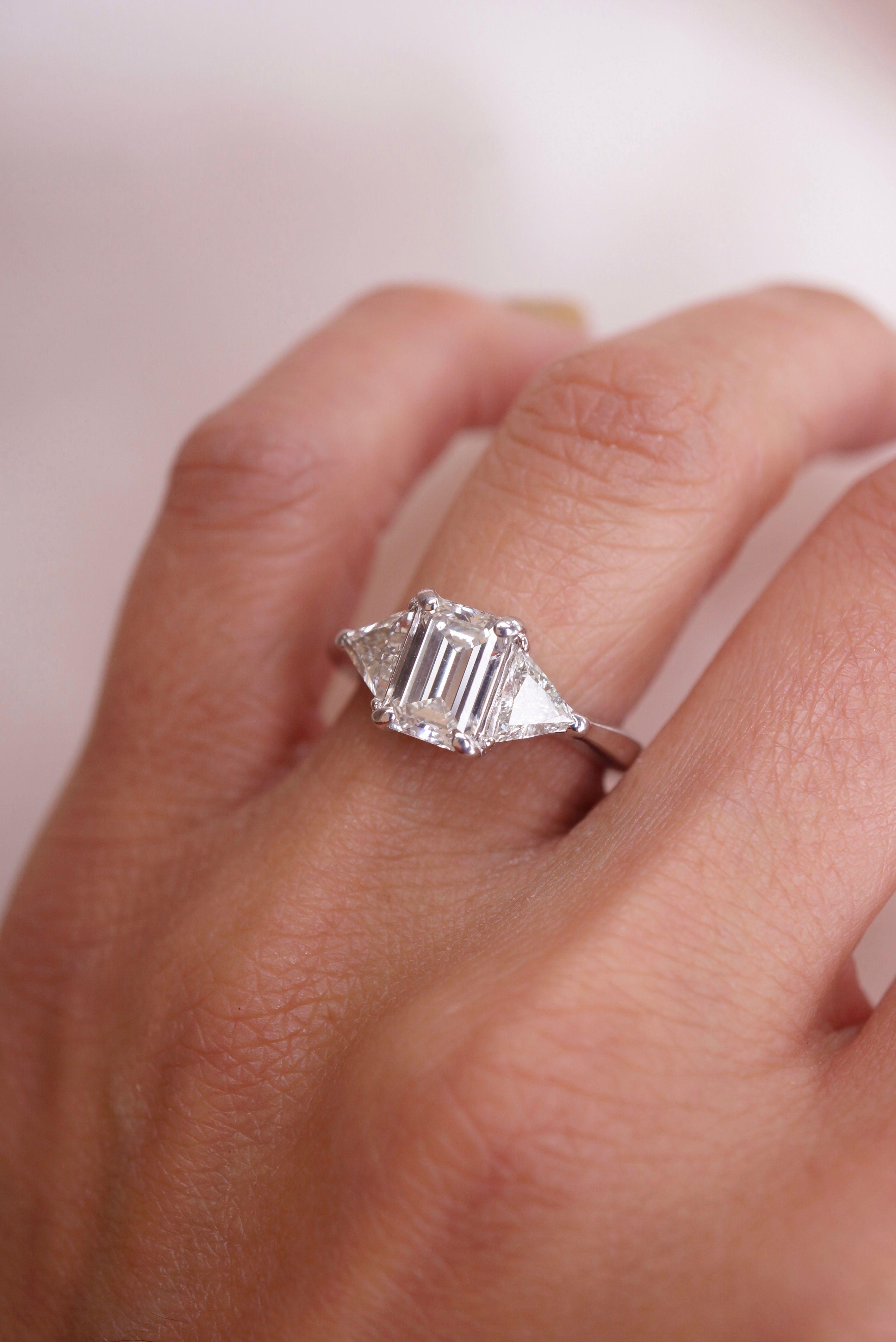 Pin On Emerald Diamond Rings