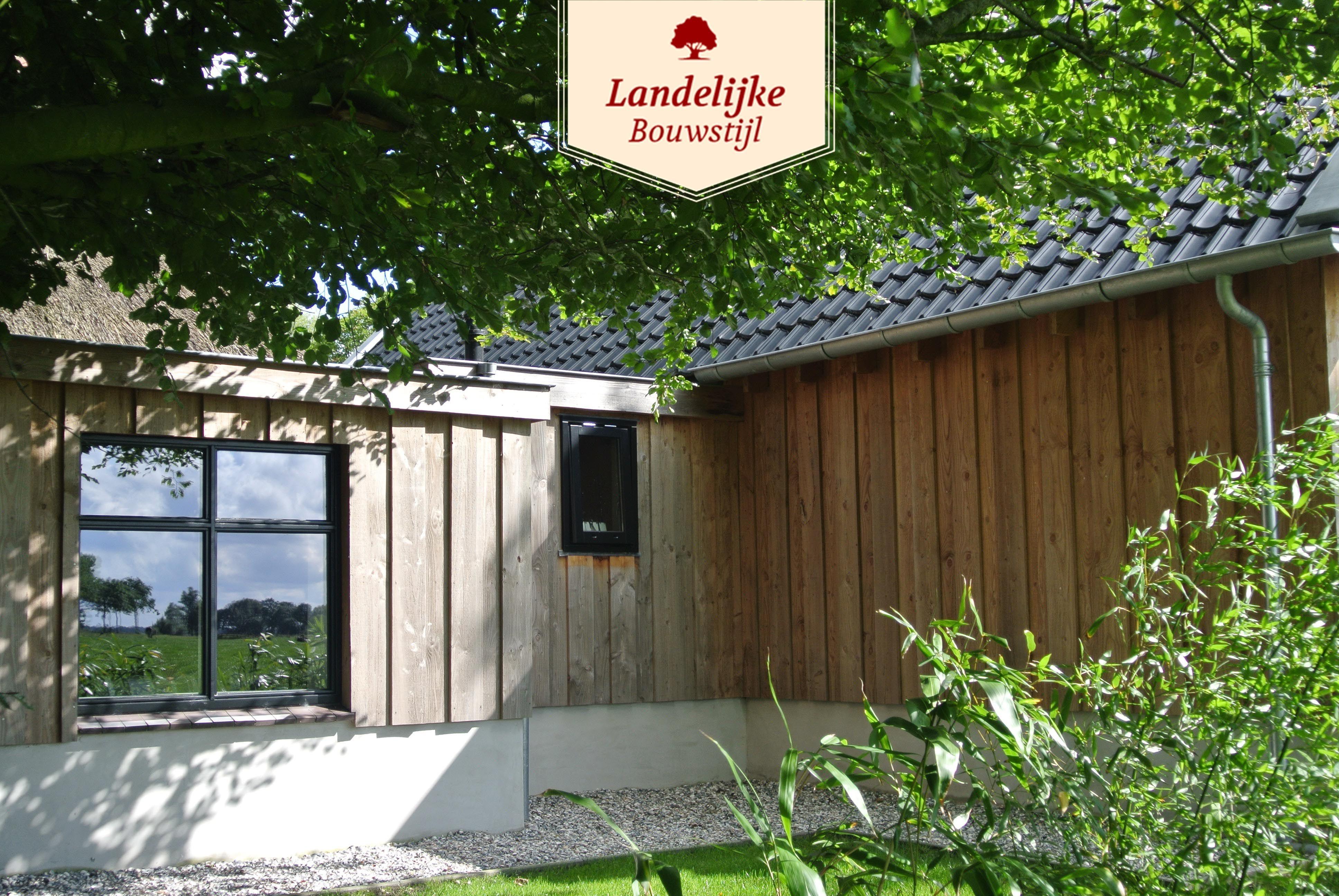 Thuiskantoor Uitbouw Tuin : Woningaanbouw van landelijke bouwstijl. naast schuren en
