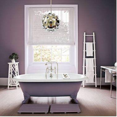 Peinture salle de bain et baignoire couleur violet Salons