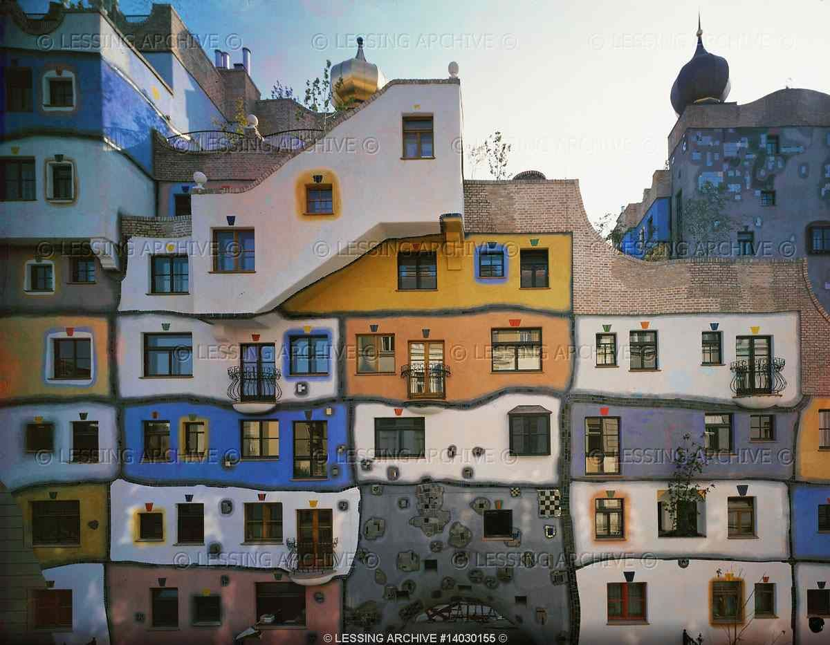 The expressionist architecture of friedensreich for Architecture hundertwasser