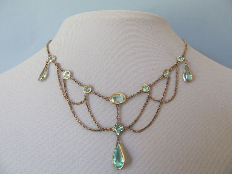 aquamarine festoon necklace