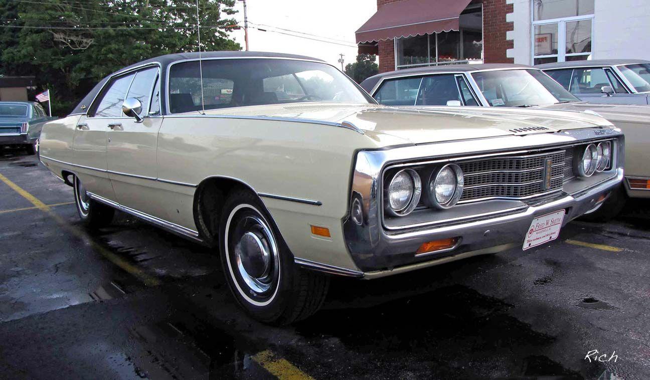 1969 Chrysler NewYorker 4dr HT