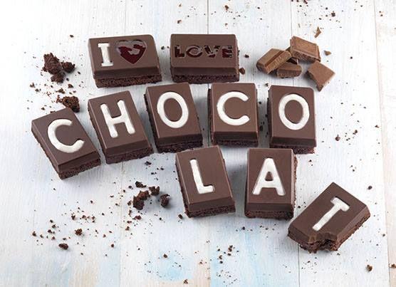 We love chocolate! Met deze vorm maak je een reep chocolade, voorzien van de tekst: 'I love chocolat'. De siliconen vorm is bestand tegen temperaturen van -60°C tot 230°C en bovendien vaatwasmachinebestendig.