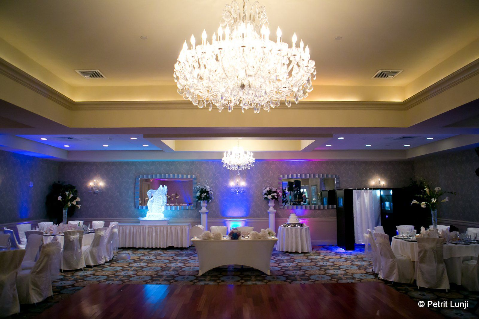 The Emerald Ballroom has amazing features and the Hollywood lighting really  sets a magical mood. Contact us to … | Nj weddings, Wedding pinterest,  Wedding reception