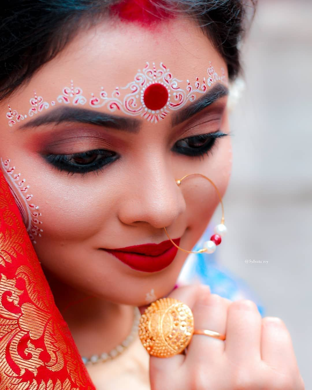10 Bengali Bridal Kumkum Chandan Designs That Are Khuba Sundara Bengali Bridal Makeup Indian Bride Makeup Bengali Bride