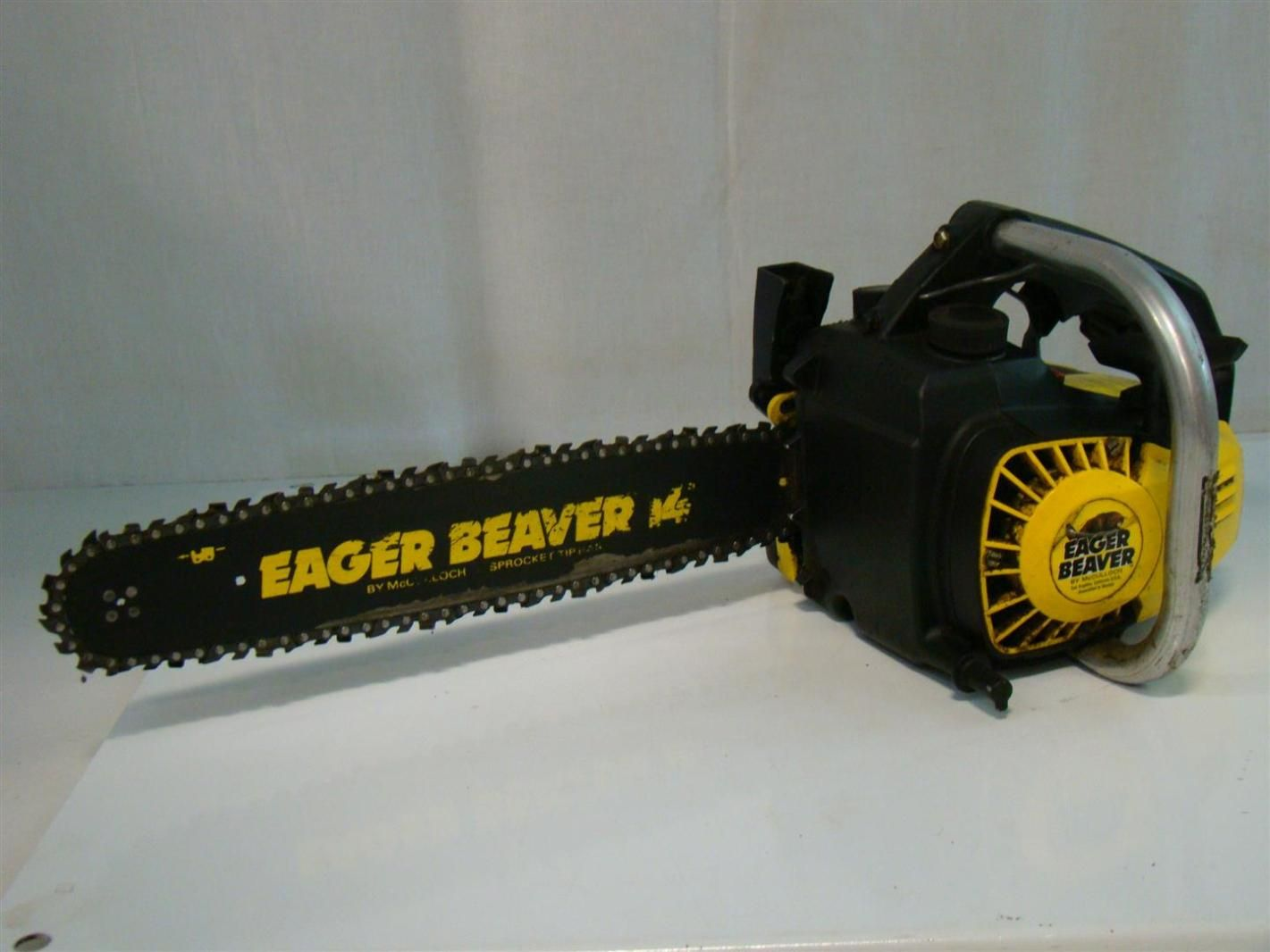 Mcculloch eager beaver 14 gas chain saw 20 cid chainsaw and weapons mcculloch chainsaw details about mcculloch eager beaver 14 gas chain saw 20 cid keyboard keysfo Choice Image
