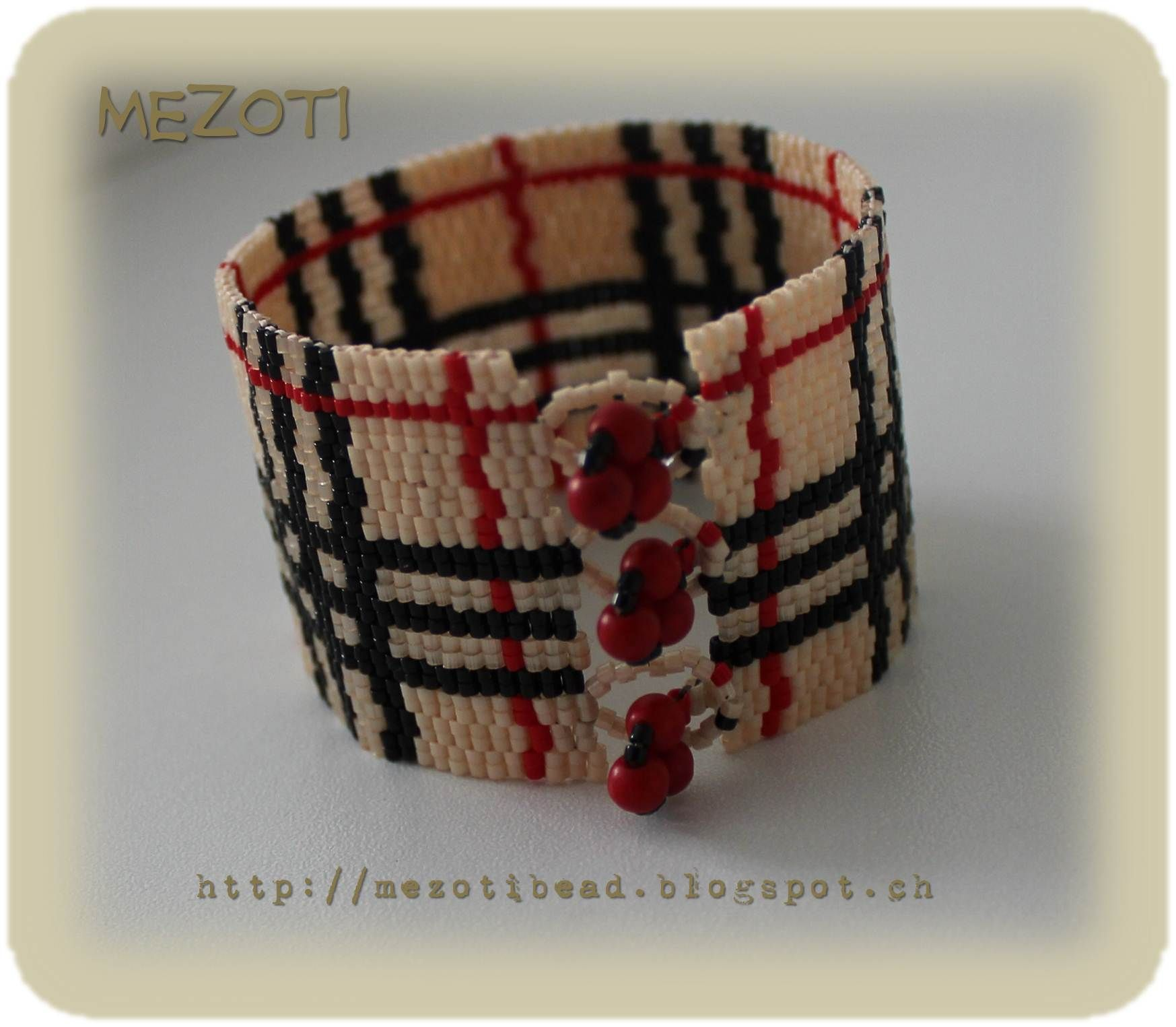 Armband / Bracelet Made by Mezoti Bead 3500 X Miyuki Delica Beads + Korallenperlen + Herz & Seele / Heart & Soul